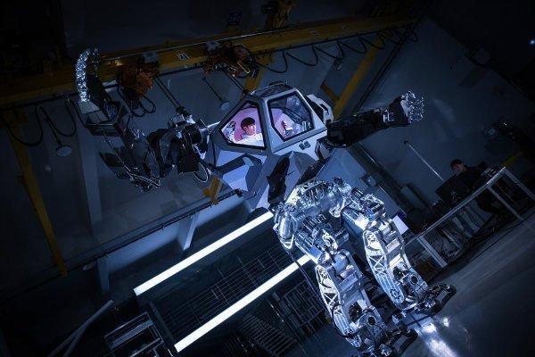 vitaly-bulgarov-korean-mech-robot-suit-11-w600