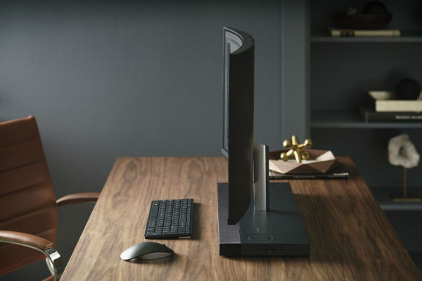 hp-envy-curved-aio-34_lifestyle-2-copy-1079x720