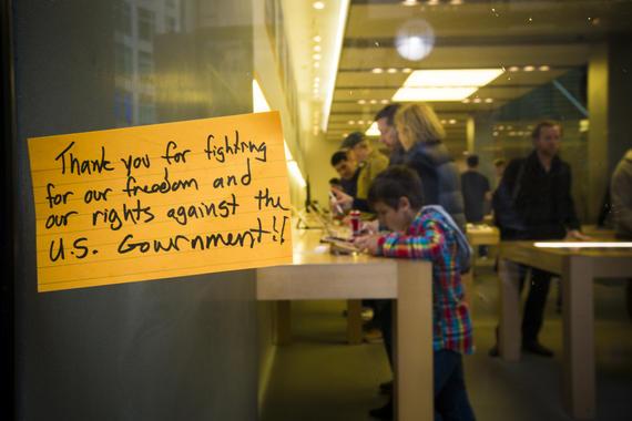 apple-fbi-backdoor-protest-2224