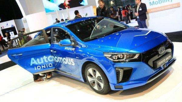 hyundai-ioniq-ces-2017-driverless-car