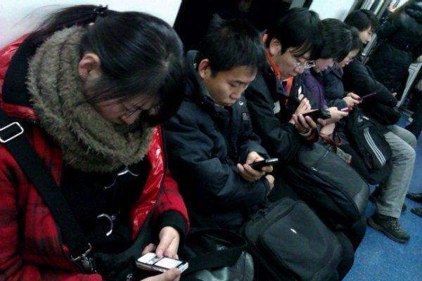 subway-smartphones-w600
