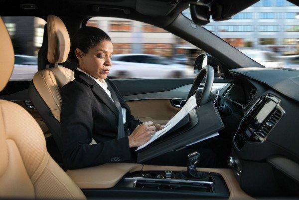 volvo-intellisafe-auto-pilot-interface-01