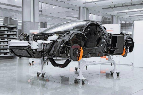 2014 Mclaren P1 chassis 02 600x398 پلت فرم جدید شرکت مک لارن برای سوپرخودروهای هیبریدی؛ عصری تازه برای انگلیسی جویای نام اخبار IT