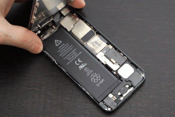 کاهش سرعت آیفون توسط اپل