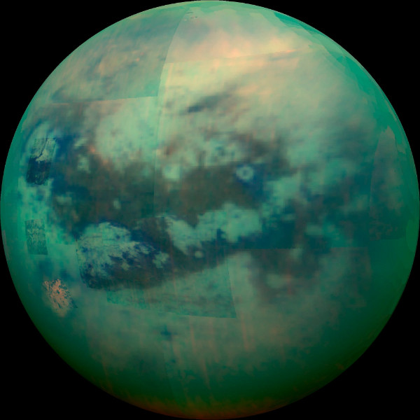 تایتان بزرگترین قمر زحل