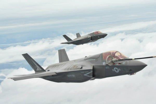 سوخت گیری هوایی جنگنده ها