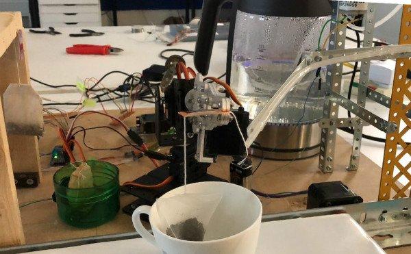 ربات چایساز ۴