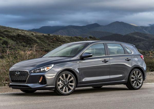 Hyundai-Elantra_GT-2018
