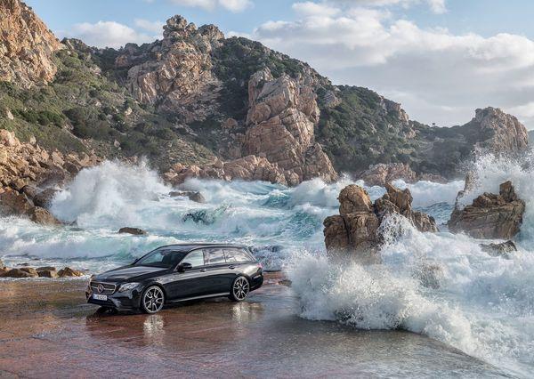 Mercedes-Benz-E43_AMG_4Matic_Estate-2017