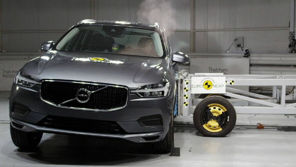 volvo-xc60-was-euro-ncap-s-safest-car-overall-tested-in-2017_4