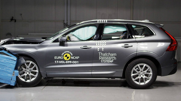 volvo-xc60-was-euro-ncap-s-safest-car-overall-tested-in-2017_5