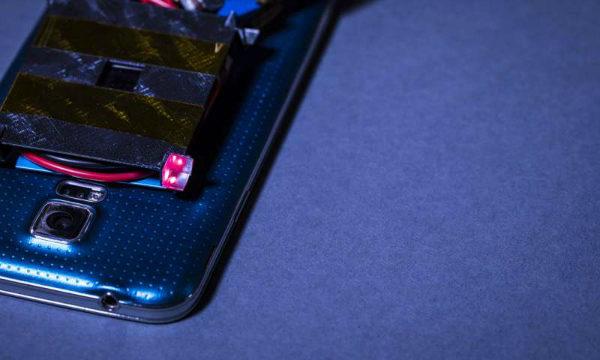 شارژ بی سیم موبایل با استفاده از لیزر