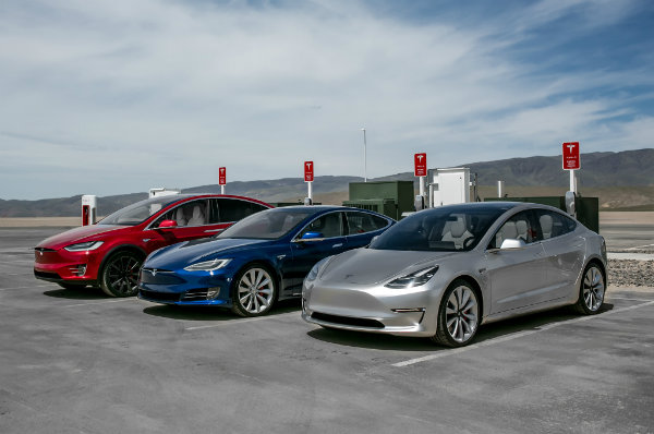 Tesla-Model-S-X-3-2