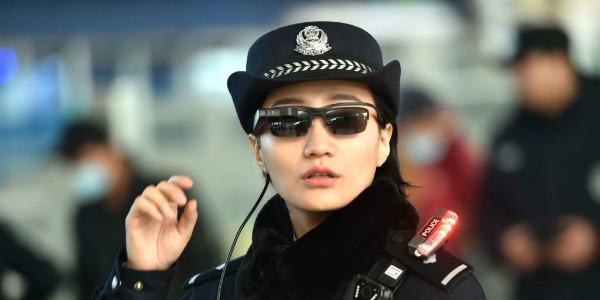 عینک تشخیص چهره پلیس چین