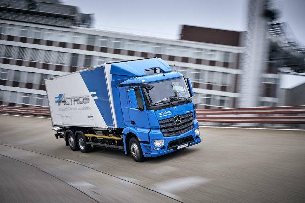 تحویل کالا با کامیون های سبز؛ مرسدس بنز نسخه برقی اکتروس را معرفی کرد