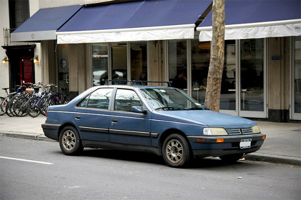 Peugeot 405 S in Manhattan