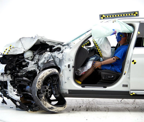2018-bmw-x3-earns-top-safety-pick-award-from-iihs_8