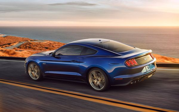 Ford-Mustang_GT-2018