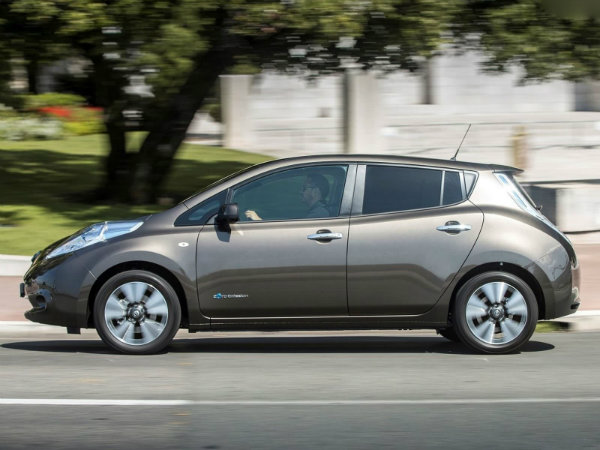 Nissan Will Recycle Old Leaf Batteries