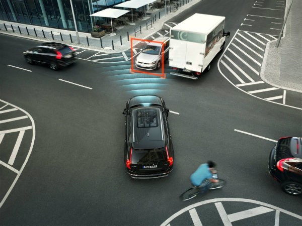volvo driver assistance system 2