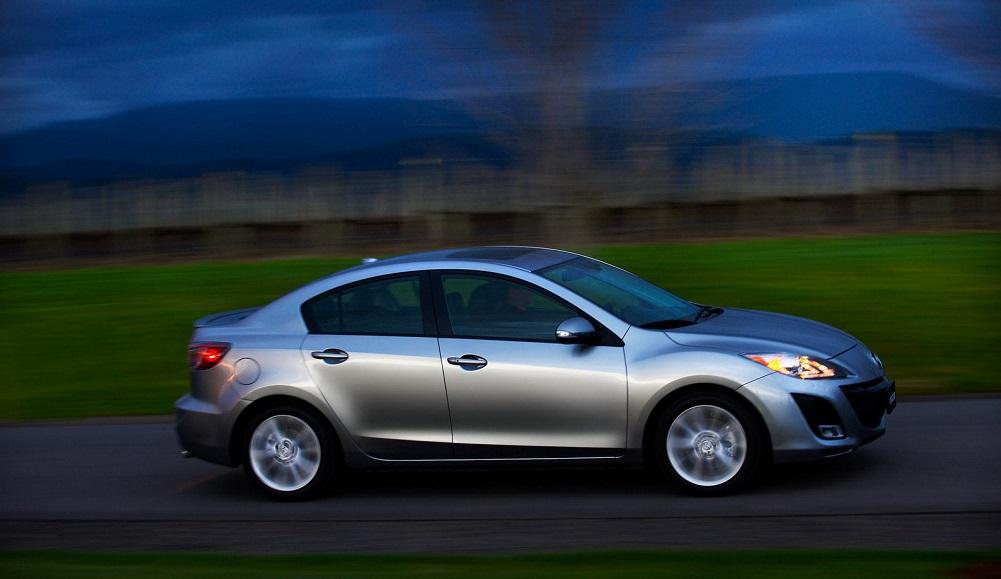 2010 mazda3 sedan 2 1600x0wDR راهنمای خرید مزدا 3؛ مشخصات فنی، آپشنها، قیمت و شرایط فروش اخبار IT