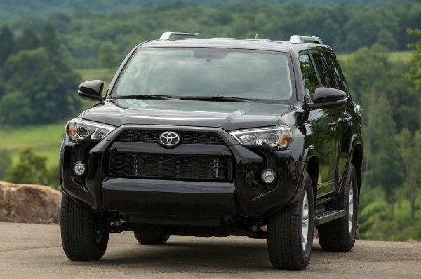 2014-Toyota-4runner-SR5-front-02