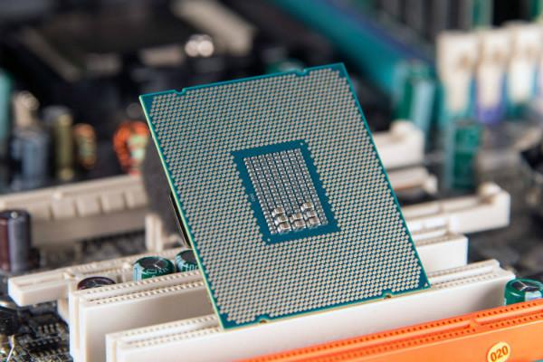 نخستین پردازنده ۱۰ نانومتری اینتل از سری Cannon Lake رسماً معرفی شد