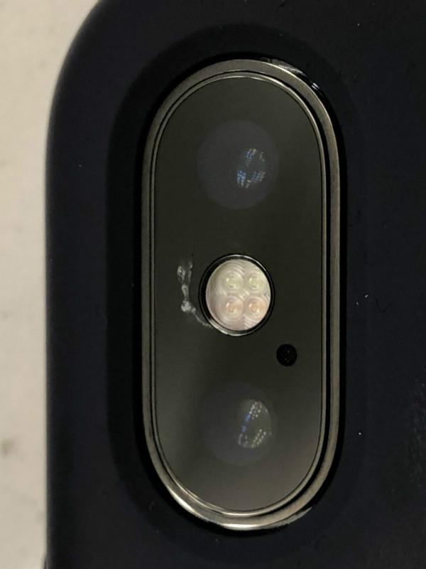 شکستگی شیشه محافظ لنز دوربین آیفون X