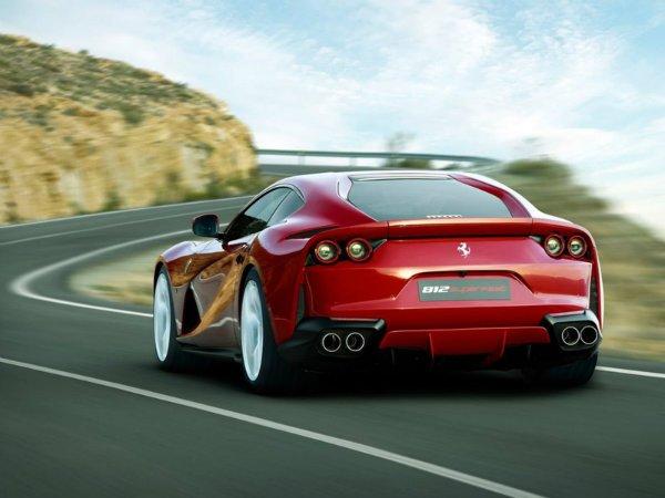 Ferrari 812 Superfast (6)