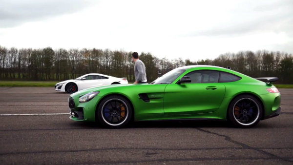 Honda (Acura) NSX vs Mercedes-AMG GT R –DRAG RACE, ROLLING RACE (8)