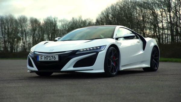 Honda Acura NSX vs Mercedes AMG GT R %E2%80%93 DRAG RACE ROLLING RACE 7 مسافت قابل پیمایش سوپر اتومبیلها با یک باک پر اخبار IT