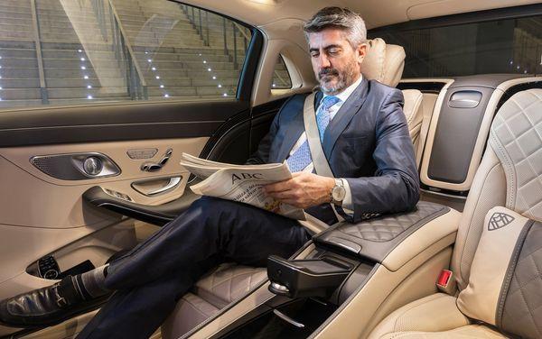 Mercedes-Benz-S-Class_Maybach-2018- 2