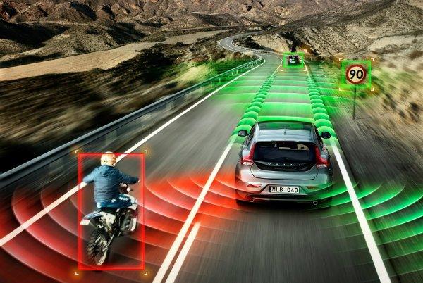 Semi-Autonomous-Cars-Gear-Patrol-LEad-Full