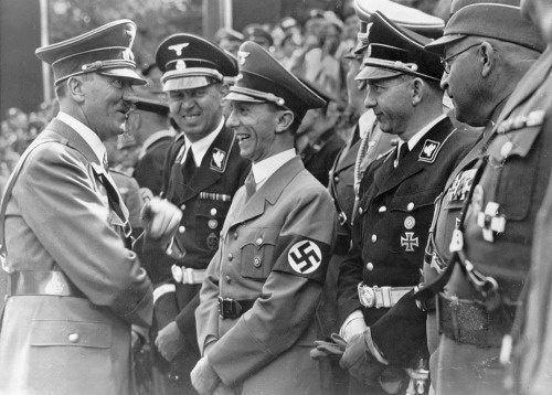 خودکشی هیتلر