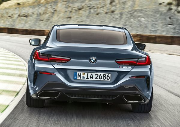 BMW-8-Series_Coupe-2019 (30)