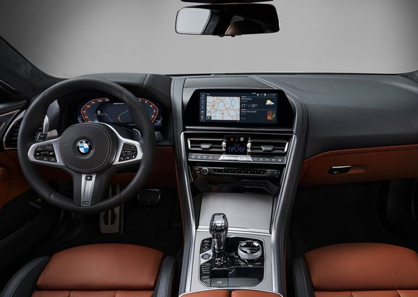 BMW-8-Series_Coupe-2019 (43)