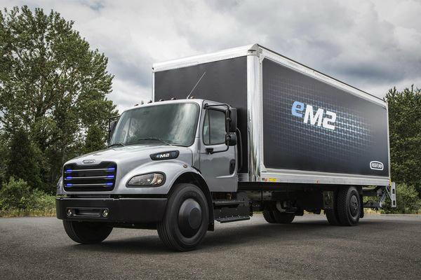 Daimler's eM2 truck