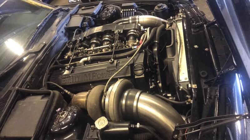 بی ام و M5 E34