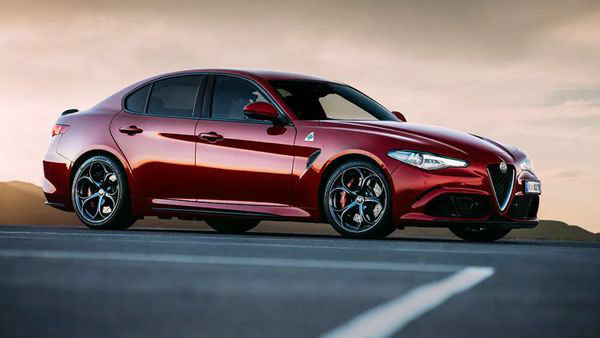Alfa-Romeo-Giulia-red-2017-sedan