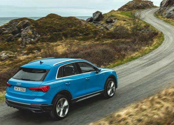 Audi-Q3-2019 (15)