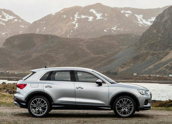 Audi-Q3-2019 (23)