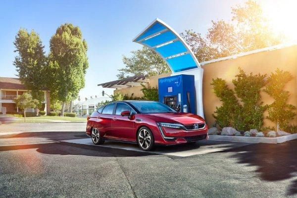 Hydrogen fuel cell car فناوری عملیاتی کمپانی بوش برای تولید کشندههای سلول سوختی هیدروژنی اخبار IT