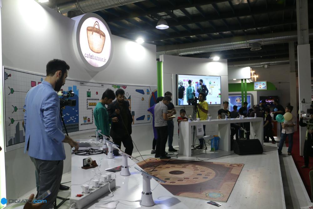 IMG 8077 w1000 h1000 گزارش تصویری دیجیاتو از غرفه های کافه بازار در الکام گیمز اخبار IT