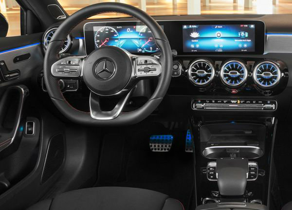 Mercedes-Benz-A-Class_Sedan-2019 (2)