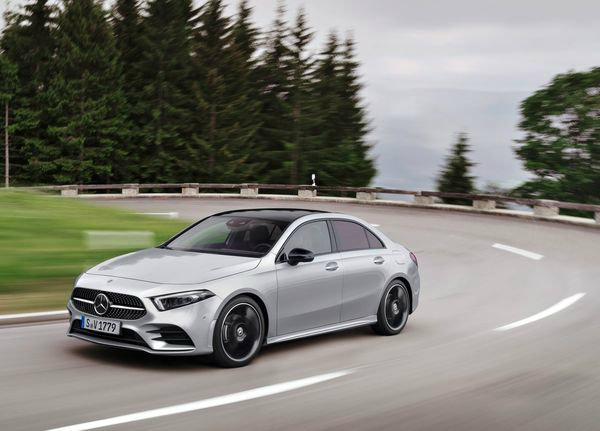 Mercedes-Benz-A-Class_Sedan-2019 (21)