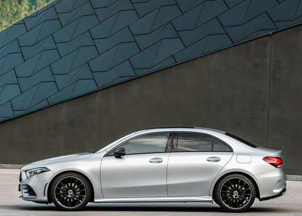 Mercedes-Benz-A-Class_Sedan-2019 (25)