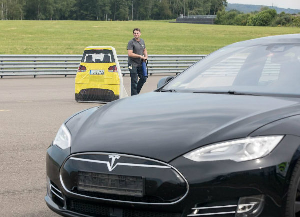 Tesla Model S Fails Vague Auto Brake Test