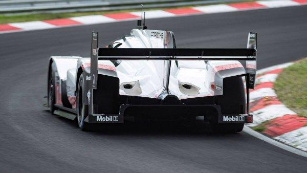 porsche-919-hybrid-evo-breaks-nurburgring-lap-record (11)
