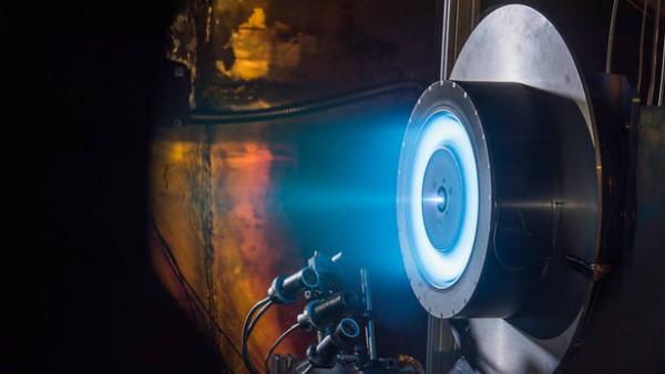 آزمایش موفقیت آمیز پیشرانه یونی ناسا گامی دیگر در راستای سفر به مریخ