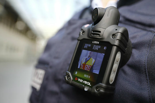 آیا دوربین های پوشیدنی ثبت جرایم پلیس خیلی راحت هک می شوند؟